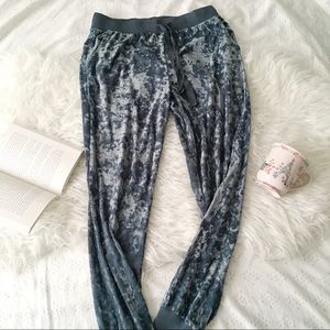 Teal Crushed Velvet Joggers // AE Aerie